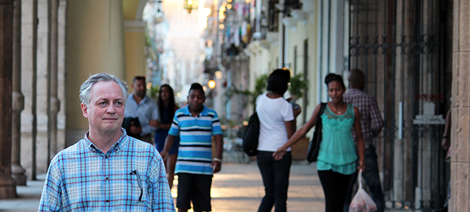 Prof. Philip Pajakowski took Saint Anselm College students to Cuba to study the Cold War